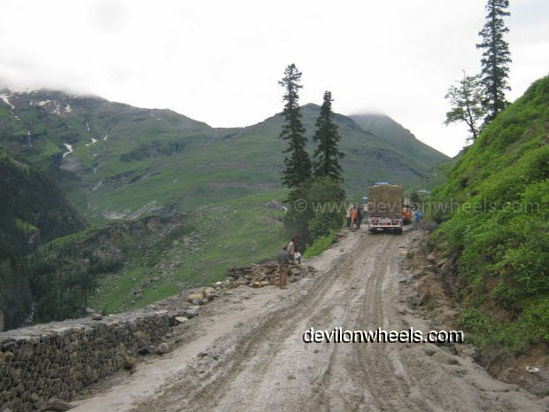 Dreaded Roads of Rohtang Pass in August