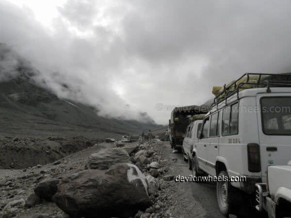 Traffic Jam at Zingzing bar on Manali - Leh National Highway