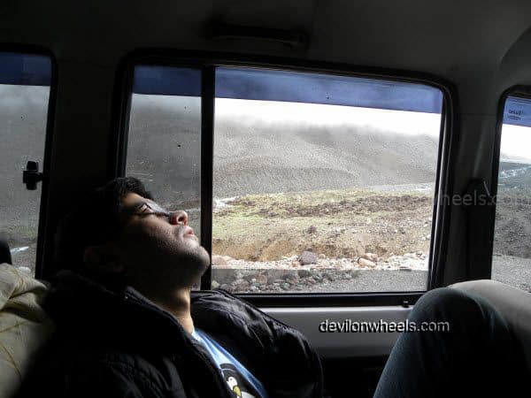 Sleeping in Traffic Jam at Zingzing bar nullah on Manali - Leh National Highway