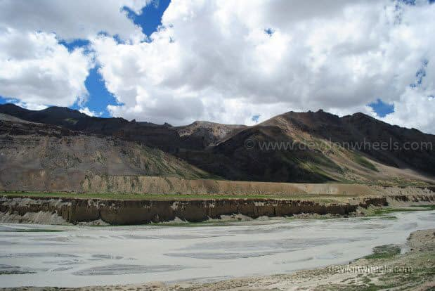 Views on Manali - Leh Highway between Sarchu and Pang