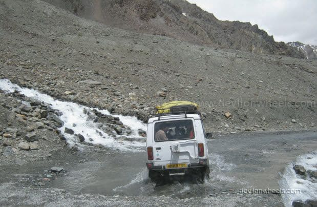 Nullah ahead of Baralacha La on Manali - Leh Highway