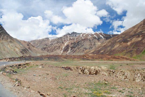 Views on Manali - Leh Highway between Baralacha La and Sarchu