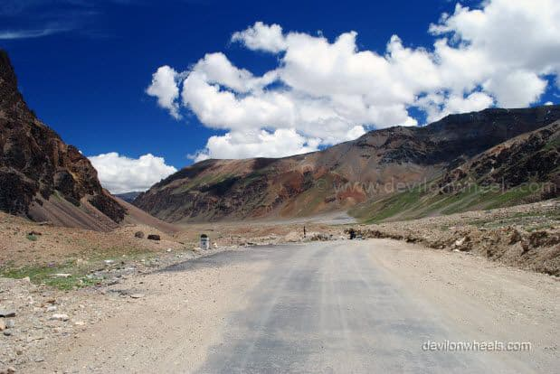Views on Manali - Leh Highway after Baralacha La
