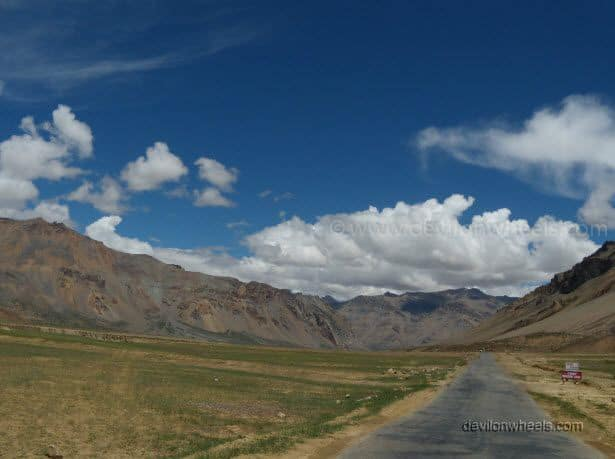 Road to Sarchu on Manali - Leh Highway