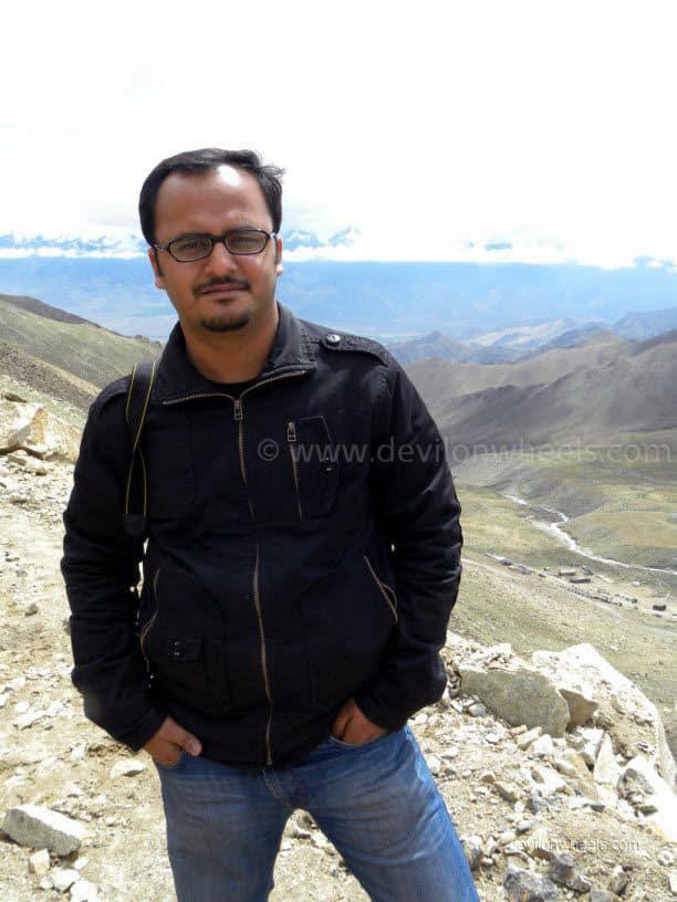 Dheeraj Sharma on the road to Khardung La in Leh - Ladakh