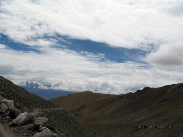 Views on the road to Khardung La in Leh - Ladakh