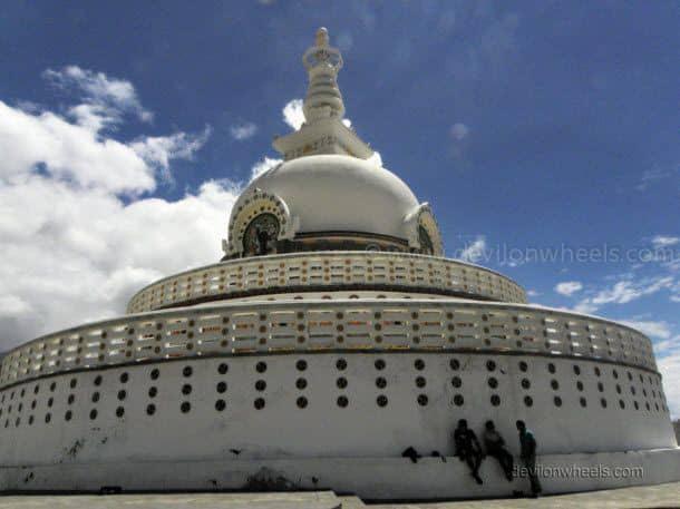 Dheeraj Sharma friends at Shanti Stupa in Leh - Ladakh