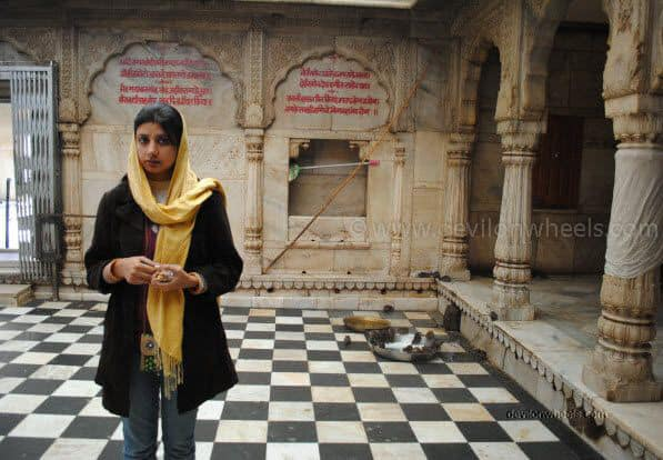 My wife afraid of rats in Karni Devi Temple at Deshnok, Bikaner