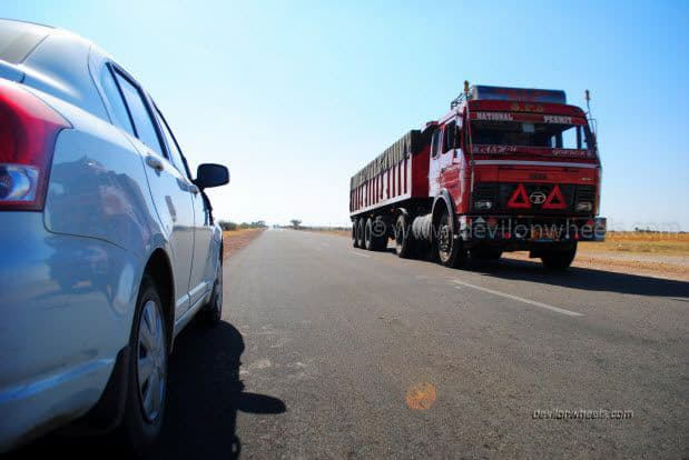 Road from Bikaner to Jaiselmer