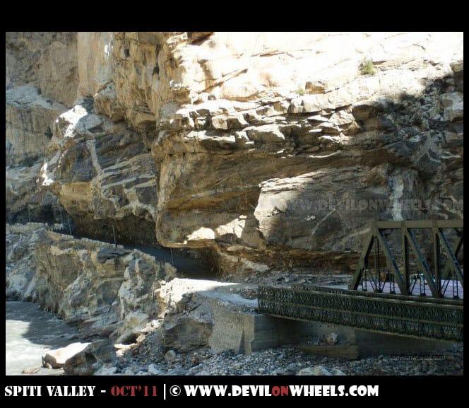 Carved roads near Khab Bridge on Hindustan Tibet Highway