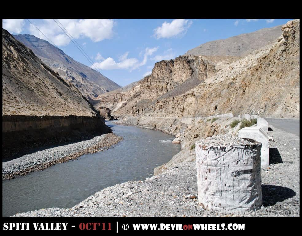 Finally, the views from Spiti Valley start alongside the Spiti River
