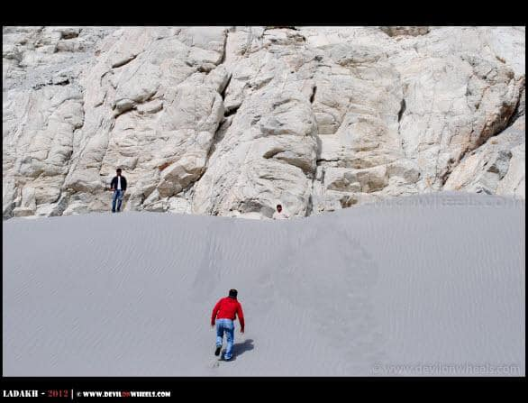 Dheeraj Sharma, Scaling a Sand Dune on Shyok Route