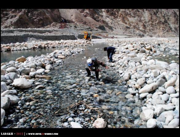 Shyok River on Roads... Making Your Own Way - Nubra Valley to Pangong Tso