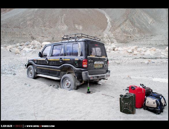 Stuck in Sands on Shyok Village Route