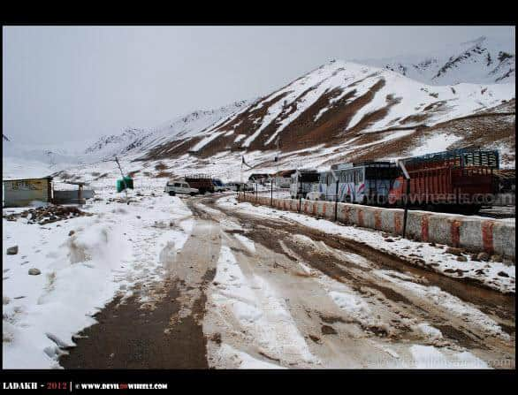 Snow at North Pullu towards Khardung La Pass
