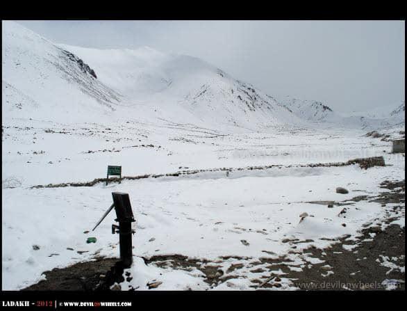 Snow at North Pullu towards Khardung La Pass