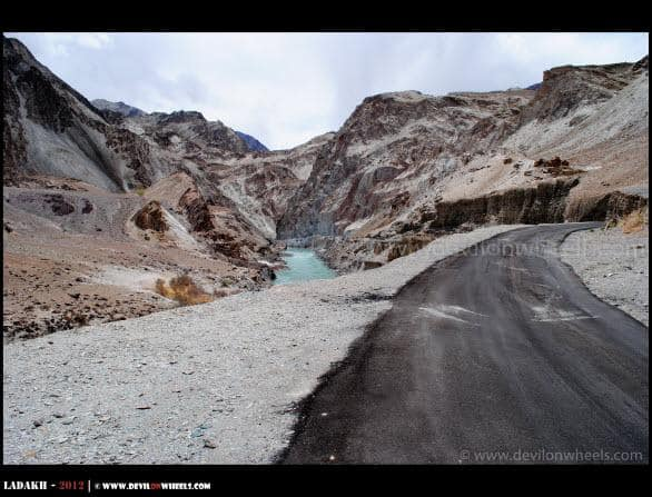 Zanskar River towards Chilling