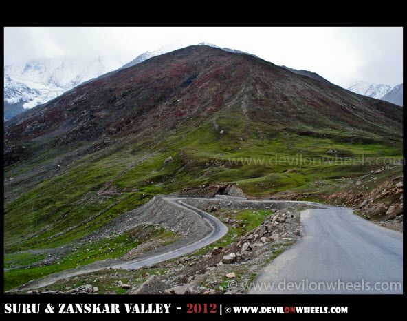 Curving its way into Minamarg on Srinagar - Kargil Highway