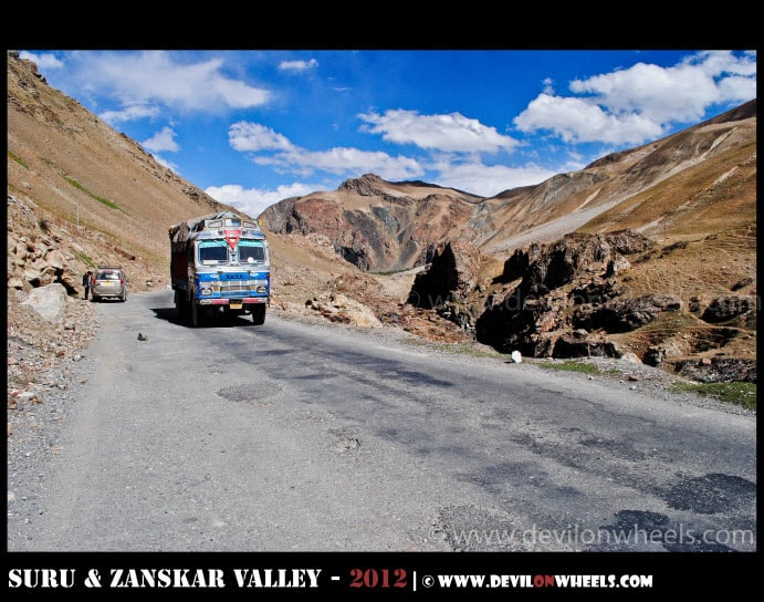 Different Scales of Nature on Srinagar - Kargil Highway