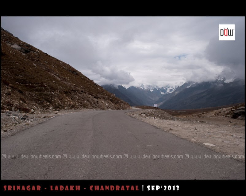 Ahh... That tarred road to Rohtang Pass