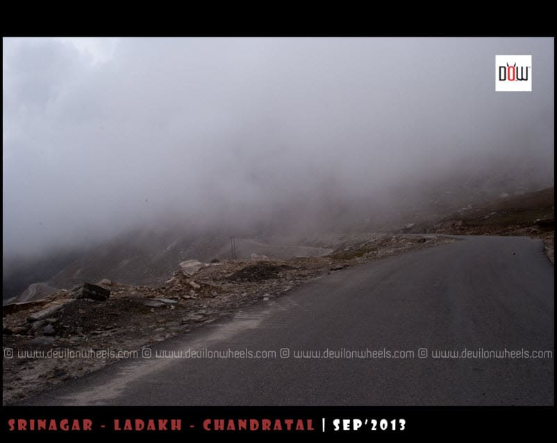 Driving into the clouds at Rohtang Pass