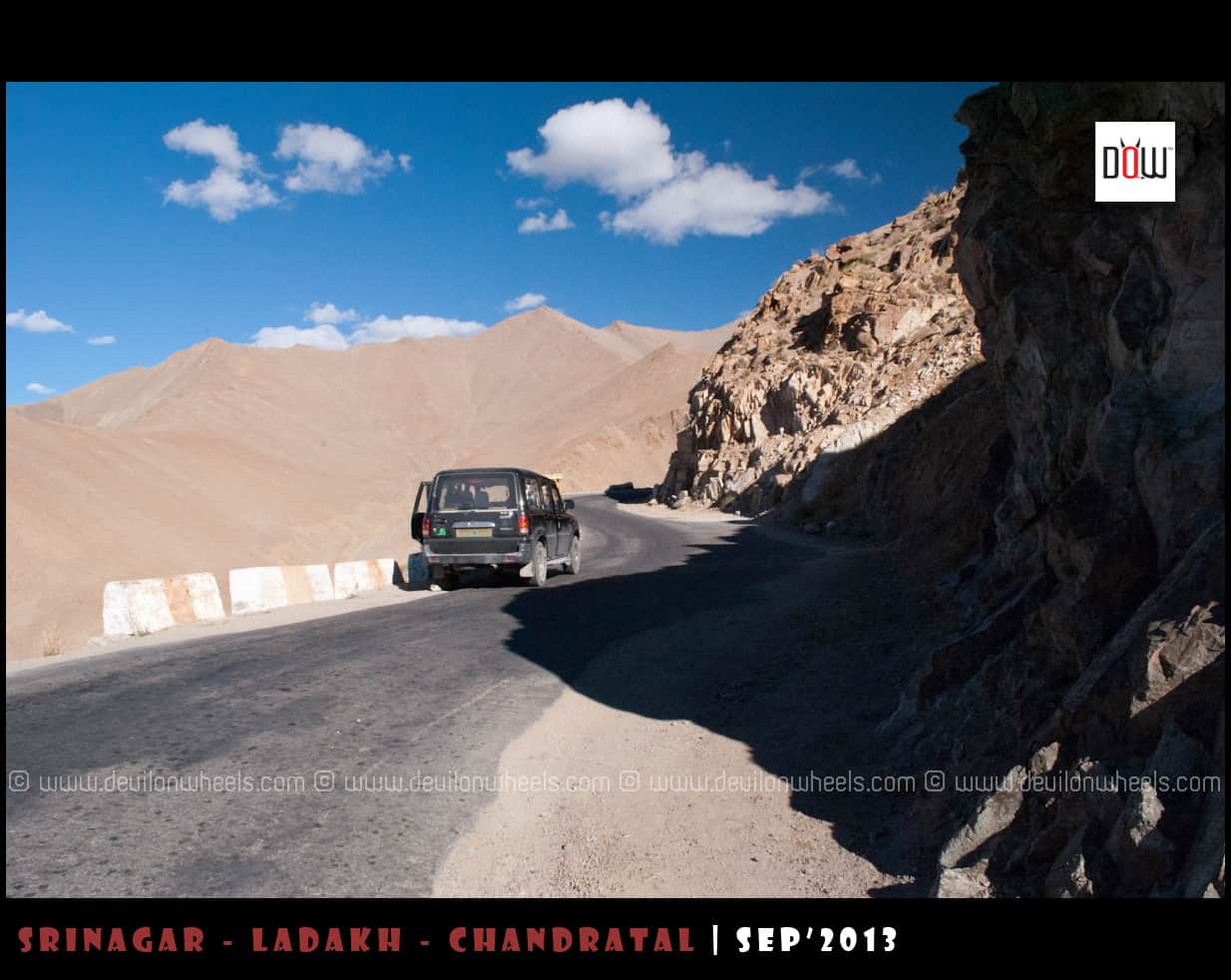 Road leading to Khardung La from Leh