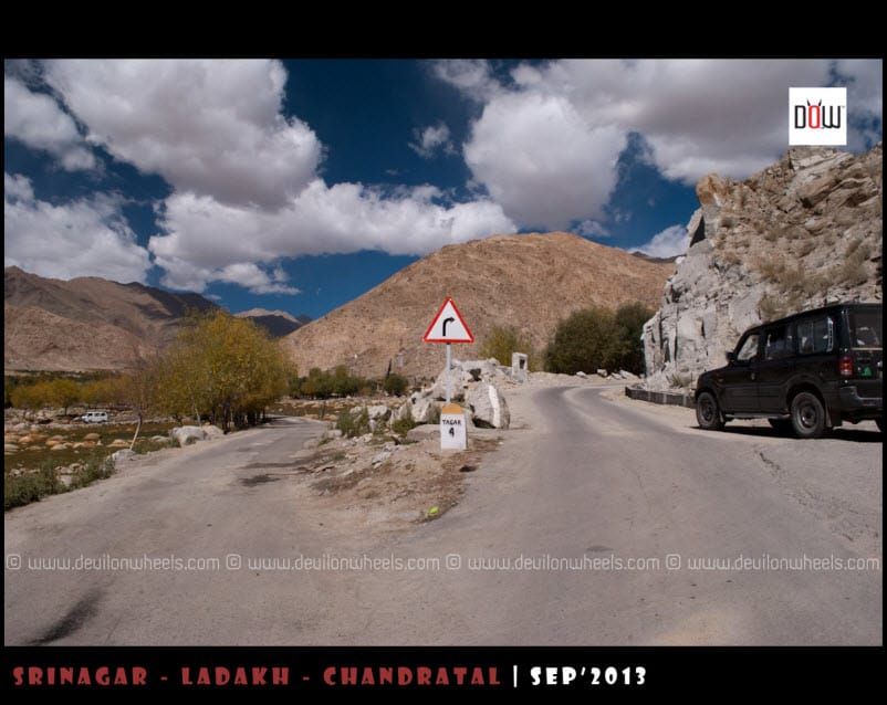 Right goes towards Chang La Pass, Left coming to Karu