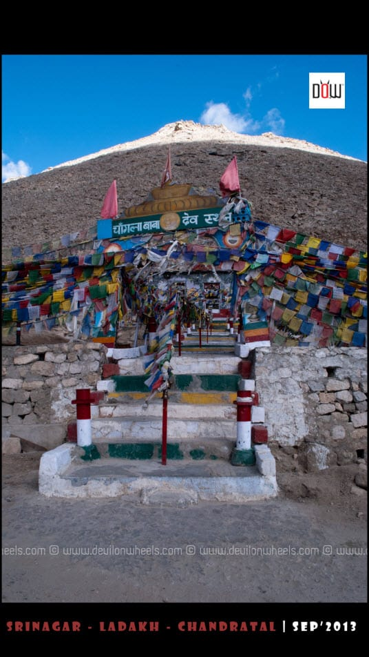 Temple of Chang La Baba at Chang La Pass