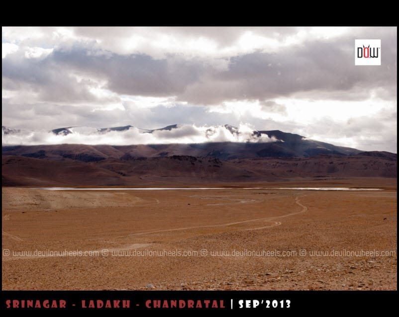 Clouds hanging over Startsapuk Tso