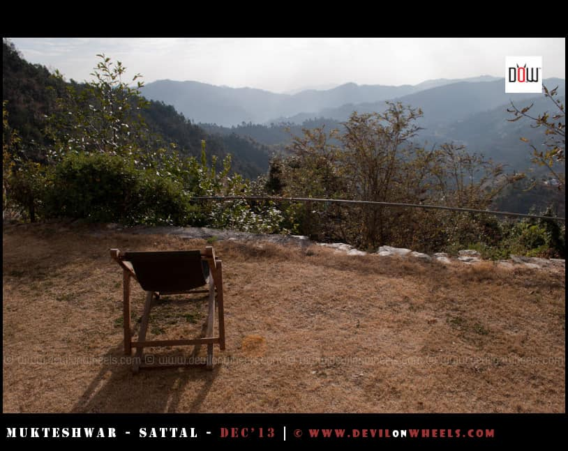 Sit outside under sun and just Relax at Oak Chalet Resort - Mukteshwar