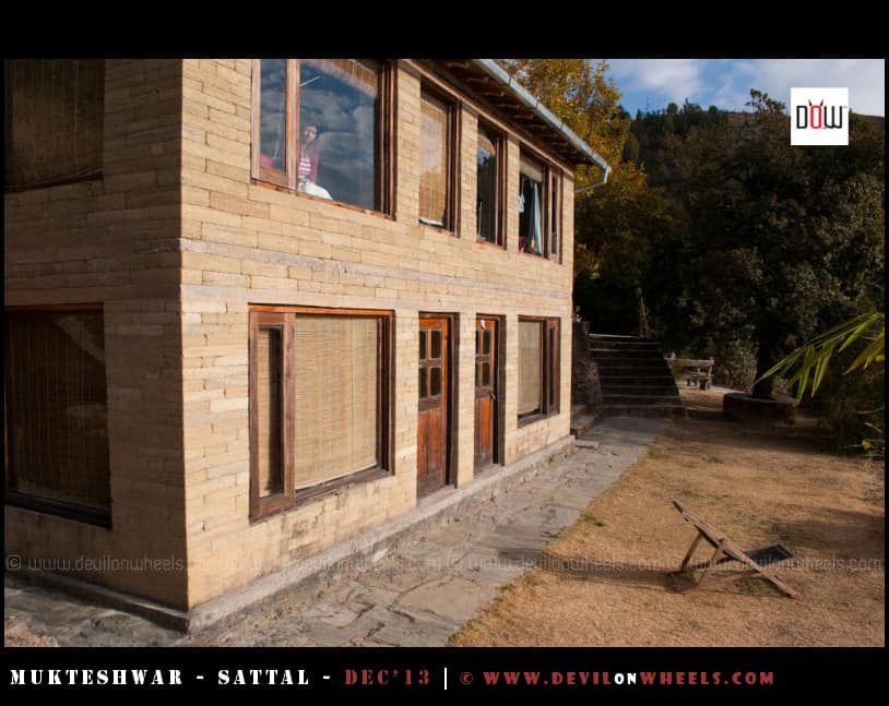 Outer Views of Oak Chalet Resort - Mukteshwar