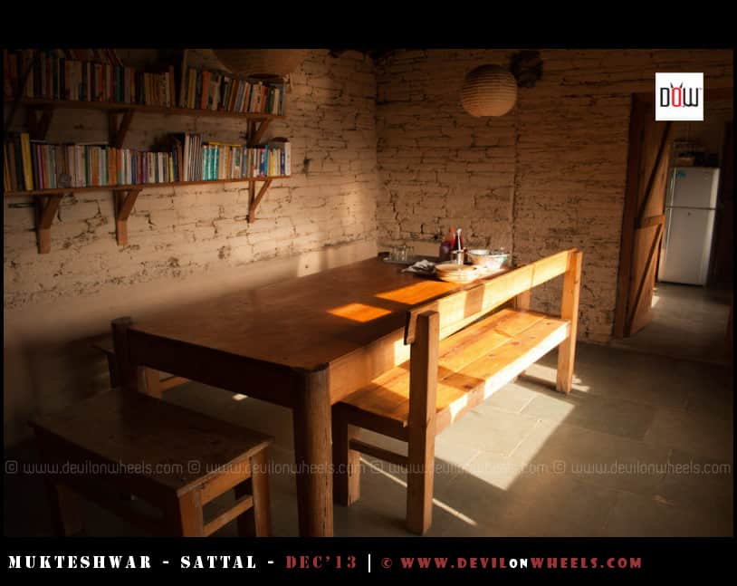 Dining Hall with Library at Oak Chalet Resort - Mukteshwar