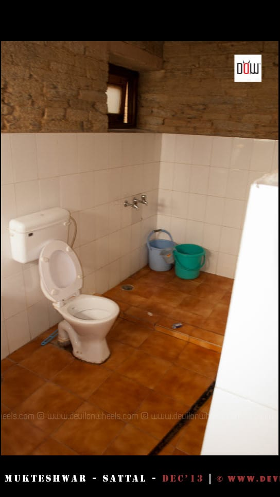 Washrooms at at Oak Chalet Resort - Mukteshwar