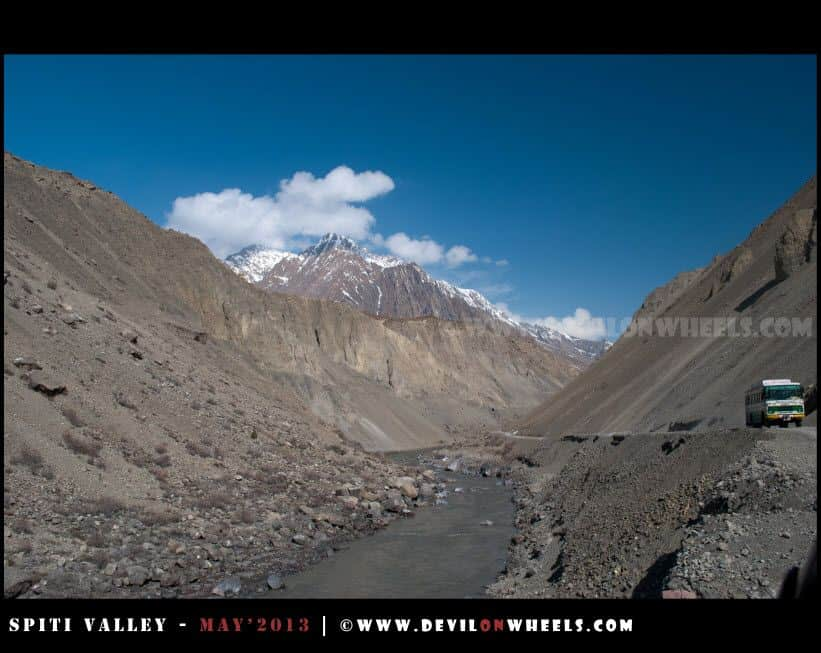 The River, The HRTC and The Amazing Views... Aproaching Dhangkar Diversion