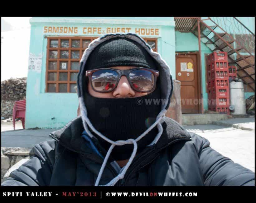 Aahh, its cold that's me, going towards Kunzum Pass