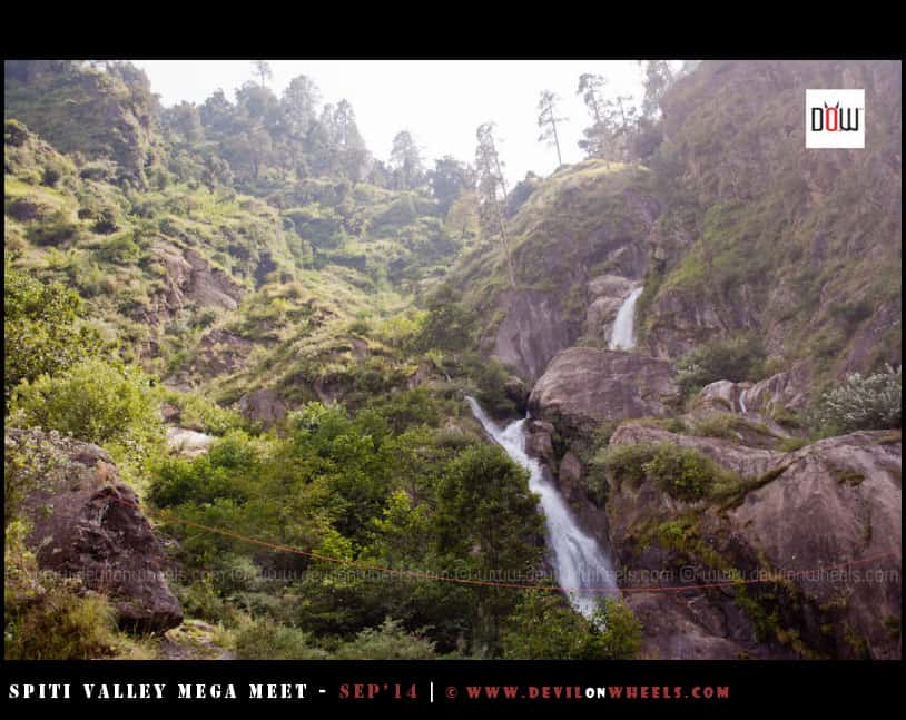 One of the little waterfall or water stream on the way to Kalpa