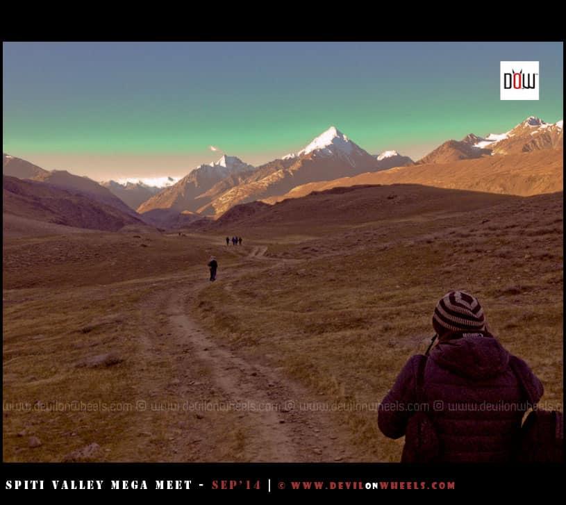 Early morning walk to Chandratal