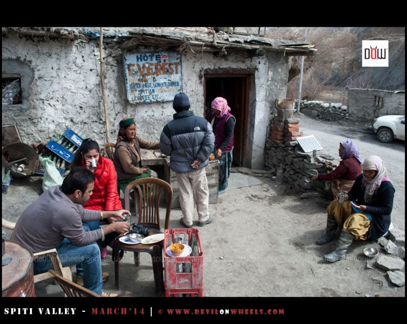 Having breakfast with locals at Shialkhar