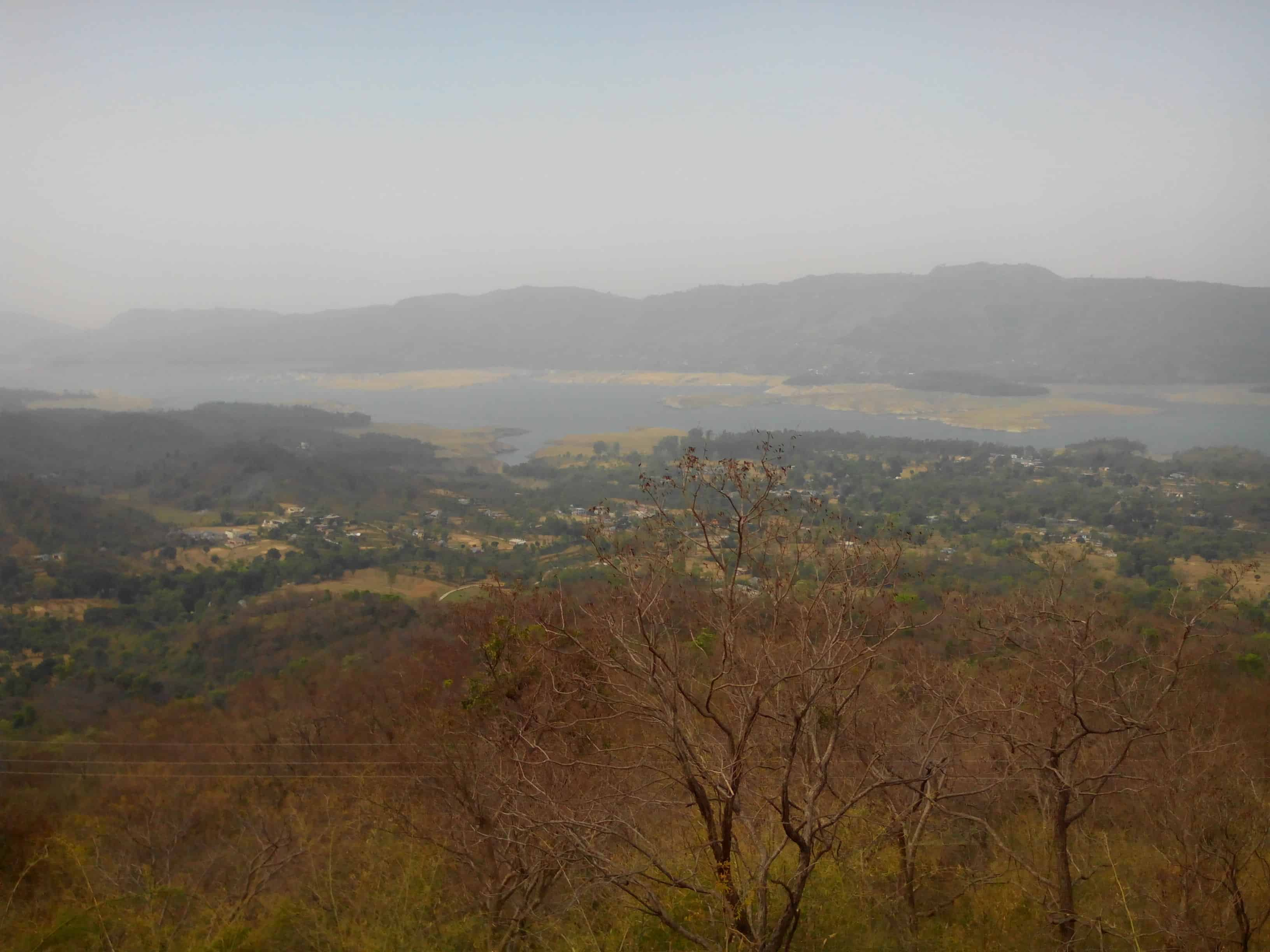 Govind Sagar as seen from Una - Bhota road