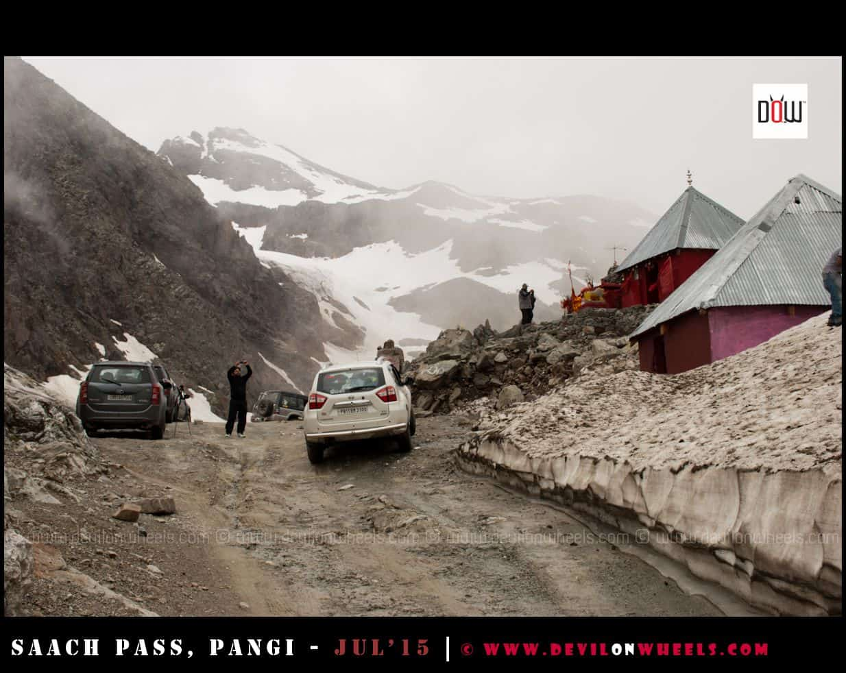 Sach Pass Top